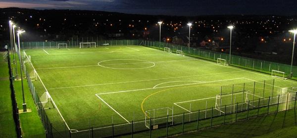 Hệ thống đèn chiếu sáng cho sân cỏ
