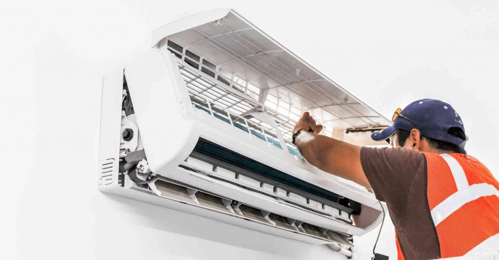 Hiện tượng nói trên xảy ra khi máy lạnh của gia đình bạn sử dụng một thời gian khá dài mà chưa có sự bảo dưỡng.
